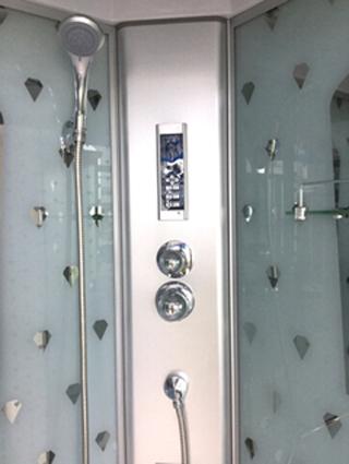 开放式热水器,活水更健康 ●专利过滤系统,防水电路板,食品级